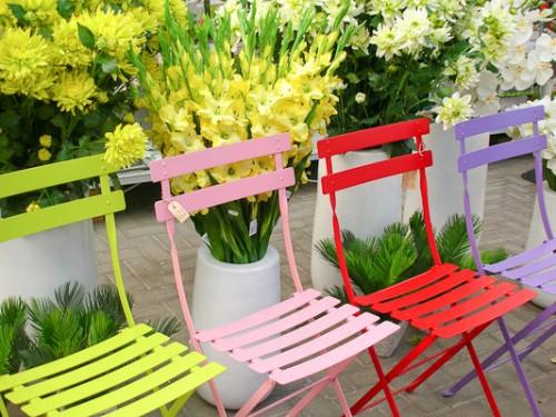 sedie colorate.jpg