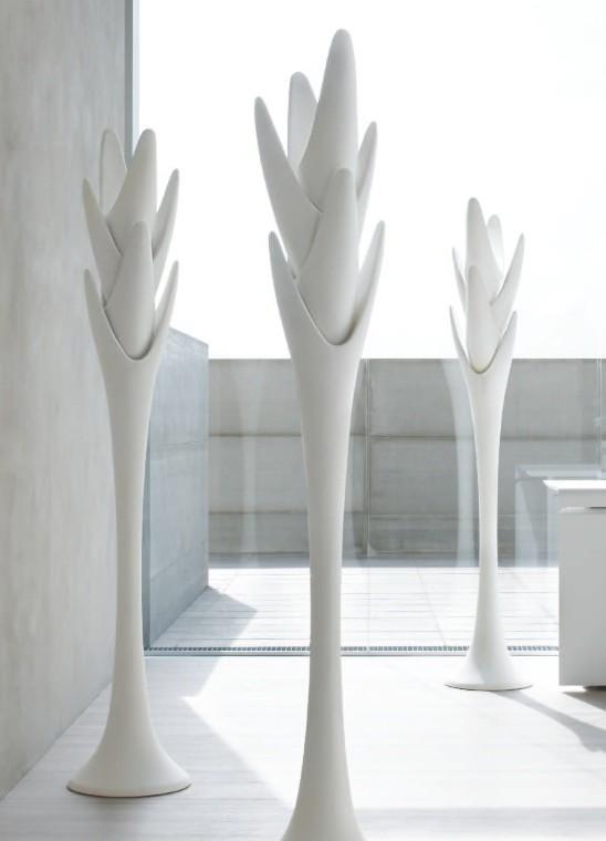 Spiga design angelo tomaiuolo l 39 appendiabiti di tonin for Rivenditore di mobili di design di sole